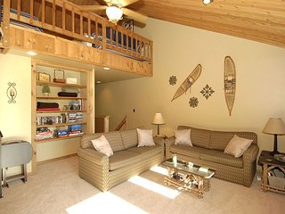 Northwoods Condo unit B5, Prime slope side location at Timberline Resort! - Spring Hill vacation rentals