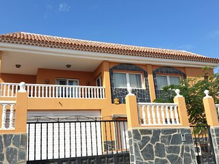Nice 3 bedroom house with swimming pool - El Medano vacation rentals