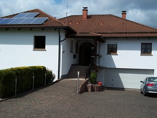 Ruhiges B&B-Appartment in Landhaus, separates Bad - Kempfeld vacation rentals