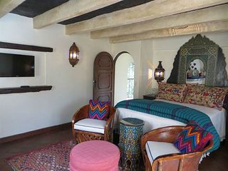 Spacious 6 bedroom San Miguel de Allende House with Internet Access - San Miguel de Allende vacation rentals