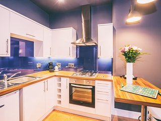 Fabulous, modern apartment near city centre - Edinburgh vacation rentals