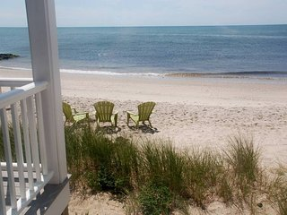 Bright 3 bedroom Dennis Port House with Deck - Dennis Port vacation rentals