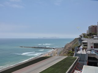 Beautiful Apartment Mraflores, close to Kennedy Park,  Beach - Lima vacation rentals