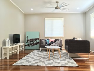 Prefect 3 BRM Holiday Home | 2kms to IPSWICH CBD - Booval vacation rentals
