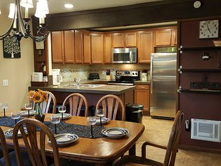 Mammoth Creek 4 rooms/3 bathroom Great Place! - Mammoth Lakes vacation rentals