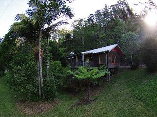 Perfect 2 bedroom Cottage in Coffs Harbour with Mountain Views - Coffs Harbour vacation rentals