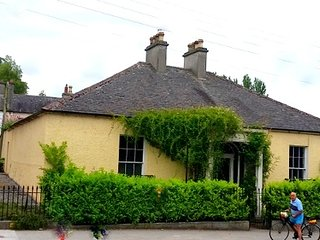 Adavnan Lodge, opposite the gates of Birr Castle - Birr vacation rentals