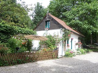 Primrose Cottage, Detached Holiday Cottage. wi-fi - Hesdin vacation rentals