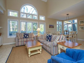 7636 Huntington- 5 Bedrooms & Quick walk to the Beach- Beautiful! - Hilton Head vacation rentals