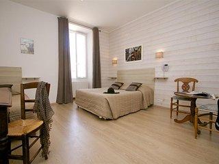 Chambre Amandine, résidence Le Clos Rhea - Saint Martin de Re vacation rentals