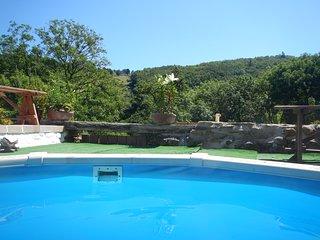 Pretty stone cottage, woodland view, garden & heated pool - Saint-Benoit vacation rentals