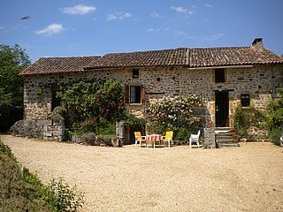 Dordogne farmhouse, Private Pool, Sleeps up to 10, St Martin de Fressengeas - Saint-Martin-de-Fressengeas vacation rentals