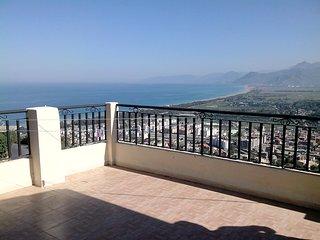F2 avec Terrasse entre plage et montagnes - Akbou vacation rentals