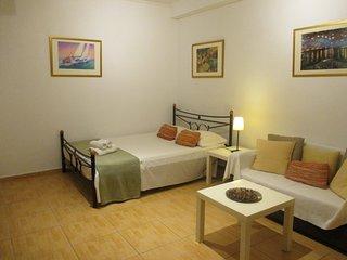 The Lovely Kolonaki Studio, Location, Free Transfer - Athens vacation rentals