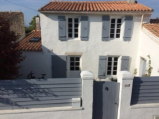 Cozy 2 bedroom House in Clement des Baleines - Clement des Baleines vacation rentals
