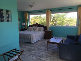 Great rental for a large group - Malmok Beach vacation rentals