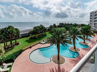 Spectacular waterfront luxury coastal condo with shared pools & hot tub! - Tiki Island vacation rentals