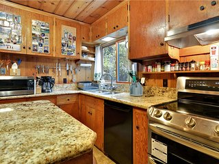 Twin Top Lodge *Shared Beach**Buoy** Hot Tub* - Incline Village vacation rentals