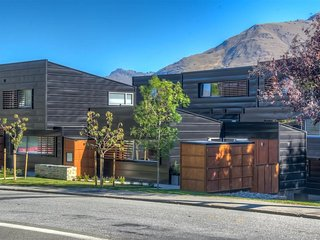 22 Hallenstein Apartments - Queenstown vacation rentals