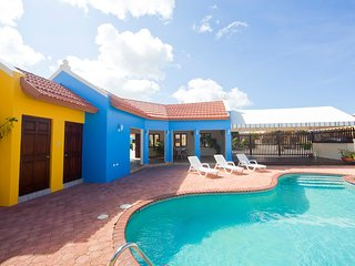 Modern Cunucu Apartment 16A with Pool Access - Palm/Eagle Beach vacation rentals