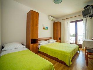 TH03416 Apartments Medić / Studio A7 - Omis vacation rentals