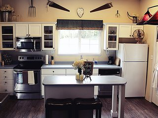 Lavish Country Retreat Bed and Breakfast - Cottage Grove vacation rentals