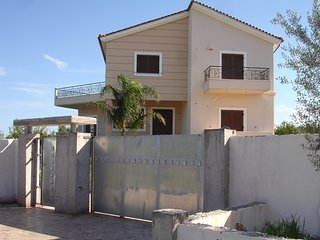4 bedroom Villa with Internet Access in Aiyion - Aiyion vacation rentals