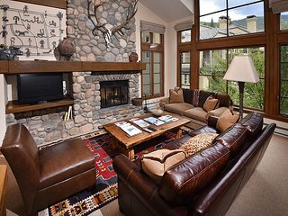 Luxury Townhome Ski-in Ski-out Includes Shared Hot Tub. - Beaver Creek vacation rentals