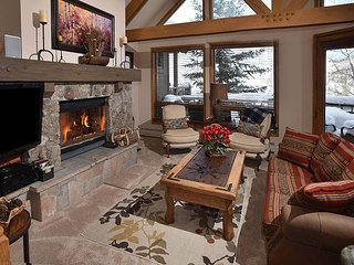 This luxurious townhome has four bedrooms, five baths, and a one-car garage. - Beaver Creek vacation rentals