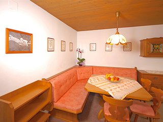 Comfortable 2 bedroom Saalbach Apartment with Balcony - Saalbach vacation rentals