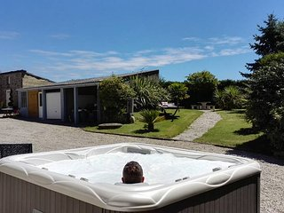Nice Gite with Internet Access and Satellite Or Cable TV - Coutances vacation rentals
