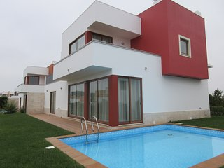 JT5 PL - Bom Sucesso / Obidos Lagoon - Modern Villa V3-6 PAX with private pool - Leiria vacation rentals