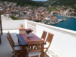 Apartments Pučišća (6+2), Brač island - Pucisce vacation rentals