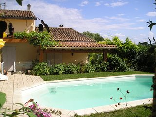 4 Bedroom villa with private pool overlooking vineyards - Fronsac vacation rentals