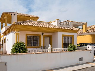 Great Value Detached Villa. 3Bed 2Bath. Lovely!!! - Torrevieja vacation rentals