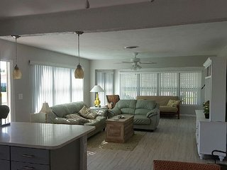 Beautiful updated Beach Bungalow - Ormond Beach vacation rentals