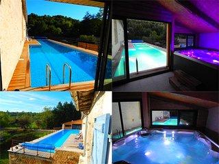 Villa propriété bord de rivière, piscine 20m à 30°, jacuzzi 6 places 37° - Saint-Maixent-l'Ecole vacation rentals