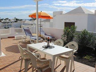 Quiet Villa by Beach & Prom, Shared Pool, Free WIFI, UK TV, Relax in Peace! - Playa Honda vacation rentals