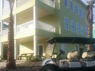 Ocean Lookout: AMAZING VIEWS, Free Golf Cart, Boardwalk, Pool - Port Aransas vacation rentals