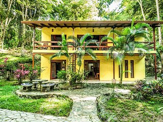 Cozy 3 bedroom Manuel Antonio House with A/C - Manuel Antonio vacation rentals