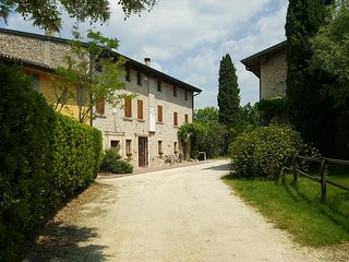 Amazing Historical Country House - Pozzolengo vacation rentals