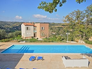 Comfortable Villa with A/C and Television - Cupra Marittima vacation rentals