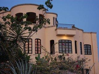 Mountain View Villa Capturing Pacific Breezes - La Manzanilla vacation rentals