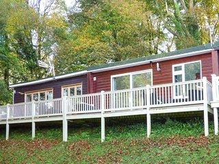 I C LUNDY TOO, chalet, holiday park with swimming pools, WiFi, in Buck's Cross - Bucks Cross vacation rentals