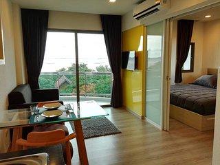 Superior Sea View with King Bed At Sonrisa Siracha - Si Racha vacation rentals