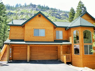 Large 6 bedrooms, 5 baths. At Home In The Mountains! - South Lake Tahoe vacation rentals