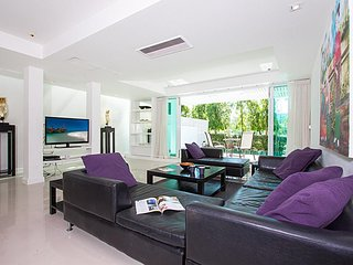 4 bed golf villa private pool, 10 min Patong beach - Kathu vacation rentals