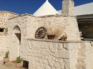 Trullo Le Blanc - San Michele Salentino vacation rentals