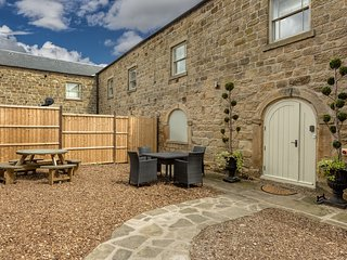 The Old Milking Parlour Grande, Oakerthorpe Holiday Village - Alfreton vacation rentals
