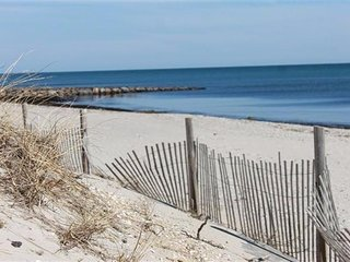 DOG FRIENDLY BEACH GET-AWAY!! SMELL the SALT AIR! 132600 - West Dennis vacation rentals